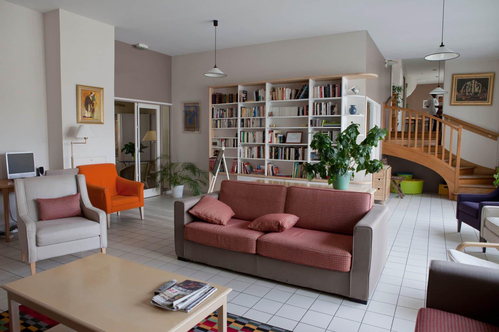 Salon, Maison desParents, Suresnes